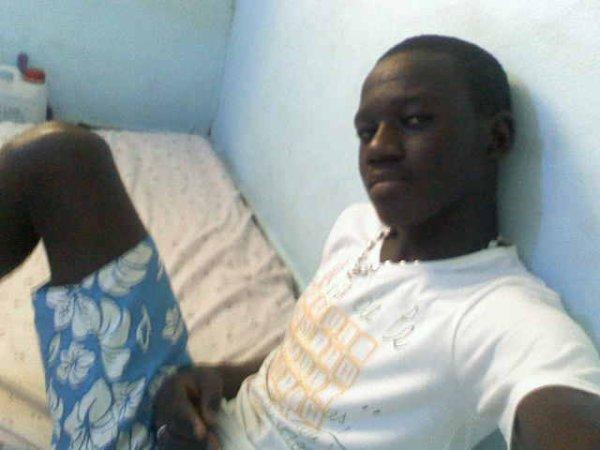 Akon candia'