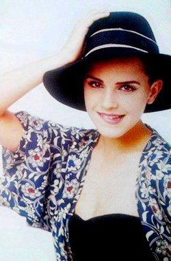 Nouvelles photos d'Emma dans deux magazines !