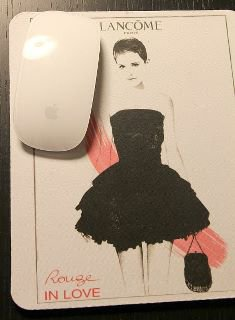 Photo de Fan+Tapis de Souris Emma Lancôme.