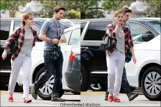 Emma Watson à Los Angeles avec un ami .