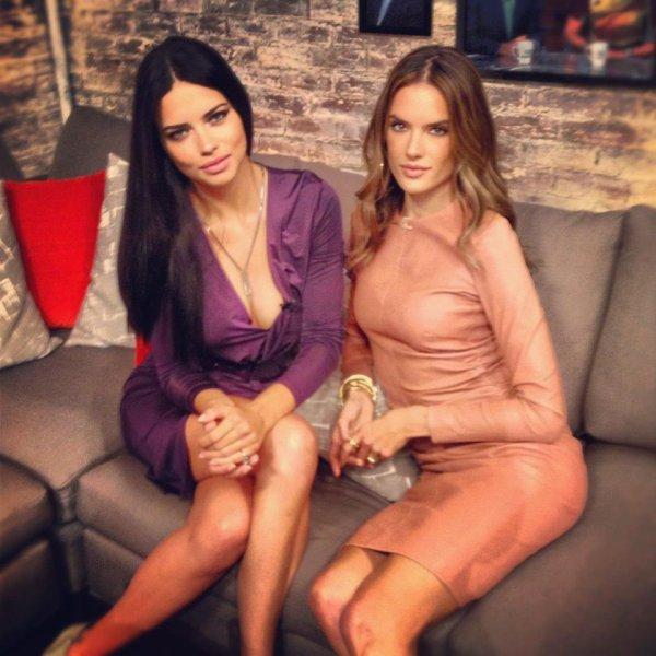 Adriana Lima & Alessandra Ambrosio sur la chaîne CBS