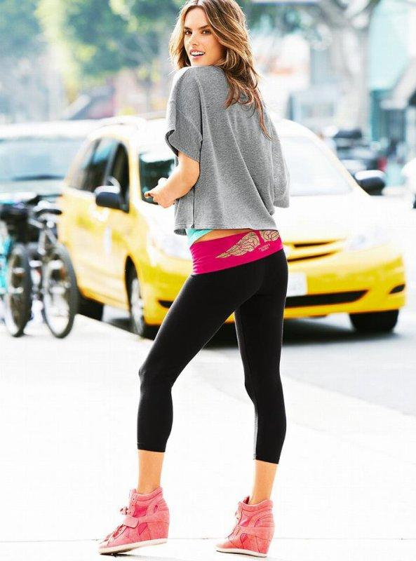 Alessandra Ambrosio Photoshoot pour Victoria Secret