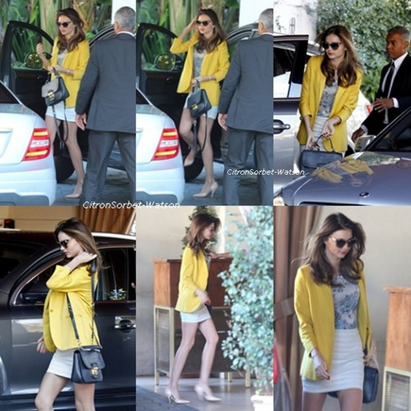 Le 28.12.12 Miranda Kerr arrivant à son hôtel Sunset Tower à West Hollywood en Californie.