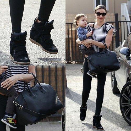 Le 09.01.13 : Miranda Kerr a été vue allant à la Gym avec son fils Flynn à Los Angeles + Une nouvelle photos de Doutzen Kroes pour Victoria Secret underwear...