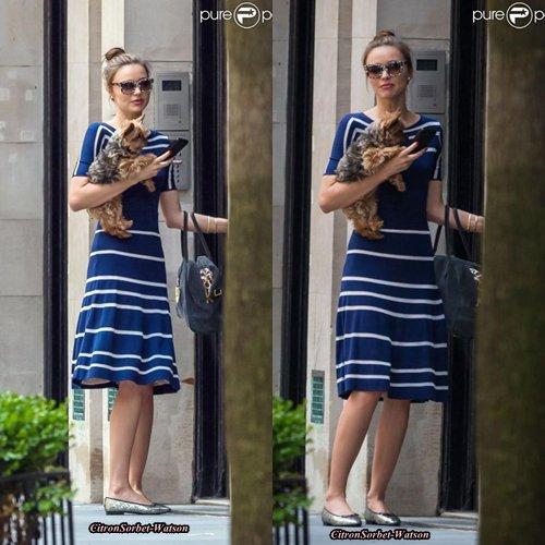 Le 19.06.13 : Miranda se baladait dans les rues de New-York avec son chien Frankie