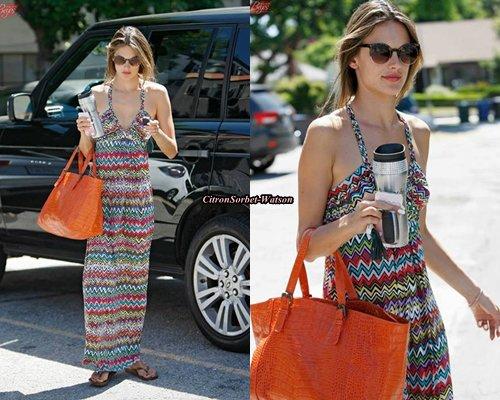Le 19.06.13 : Alessandra a été vue arrivant au SPA à Los Angeles...