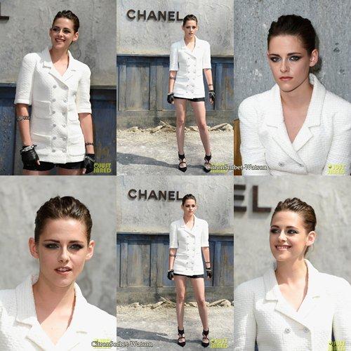 Le 02.07.13 : Kristen Stewart était à Paris pour le défilé haute couture de Chanel Automne/Hiver 2013-2014...