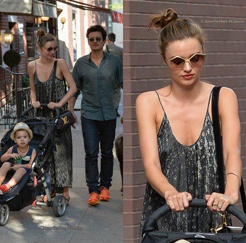 Le 04.07.13 : Miranda et son mari Orlando se baladaient avec leur fils dans New-York...