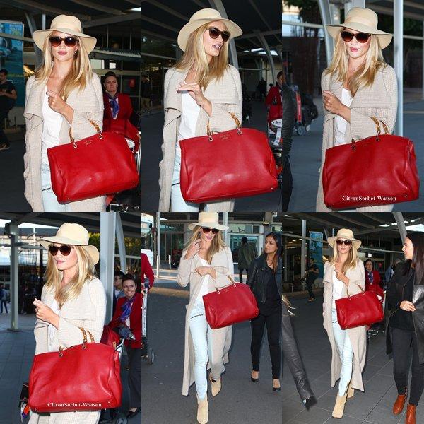 Le 07.07.13 : Rosie Huntington est arrivée en Australie pour se rendre à un photo shoot...