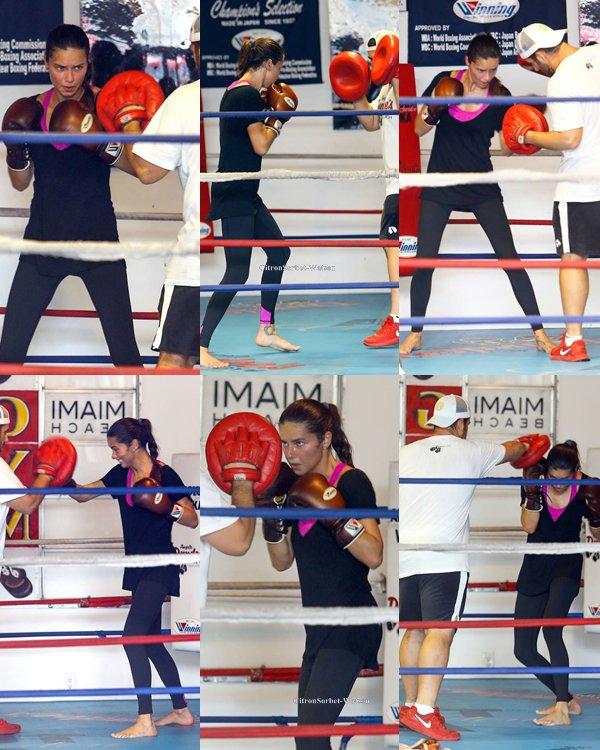 Le 27.07.13 : Adriana était à Miami pour son entrainement de boxe...