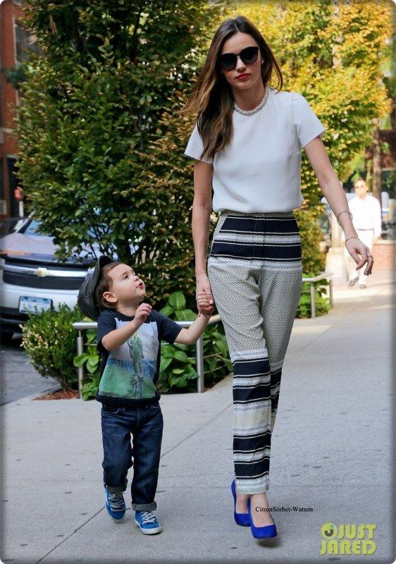 Le 20.09.13 : Miranda se baladait dans les rues de New-York après avoir déposé Flynn chez sa nounou...