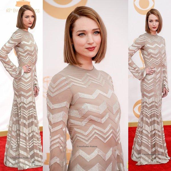 Le 22.09.13 : Kristen était présente aux Emmy Award 2013 au Nokia Theatre à Los Angeles...