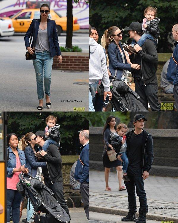 Le 26.09.13 : Orlando et son fils Flynn,rejoint ensuite par Miranda,se baladaient dans Central Park à New-York...