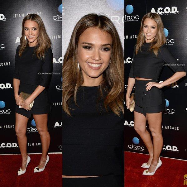 Le 26.09.13 : Jessica était à la première de son nouveau film A.C.O.D. à Los Angeles...