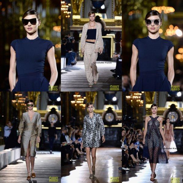 Le 01.10.13 : Miranda et Cara défilaient pour Chanel lors de la Fashion Week Parisienne...