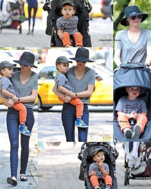 Le 04.10.13 : Miranda se baladait avec son fils Flynn dans les rues de New-York...