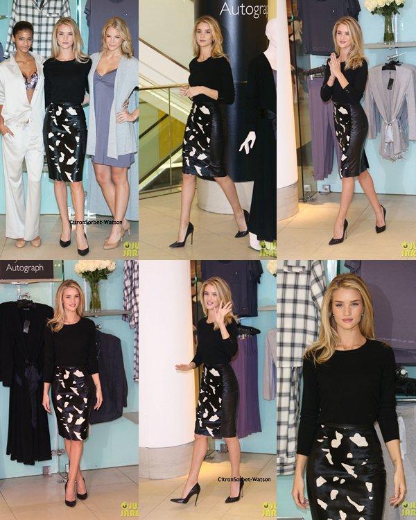 Le 16.10.13 : Rosie était à Londres pour présenter sa nouvelle collection de lingerie dans une boutique Mark & Spencer ...