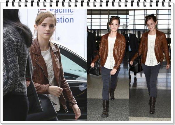 Le 23.10.13 : Emma s'est rendue à l'aéroport LAX de Los Angeles pour une destination inconnue...