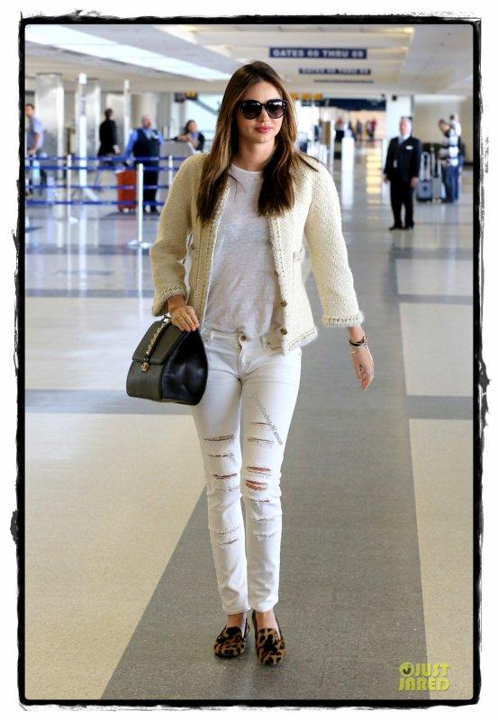 Le 06.11.13 : Miranda s'est rendu à l'aéroport LAX de Los Angeles...