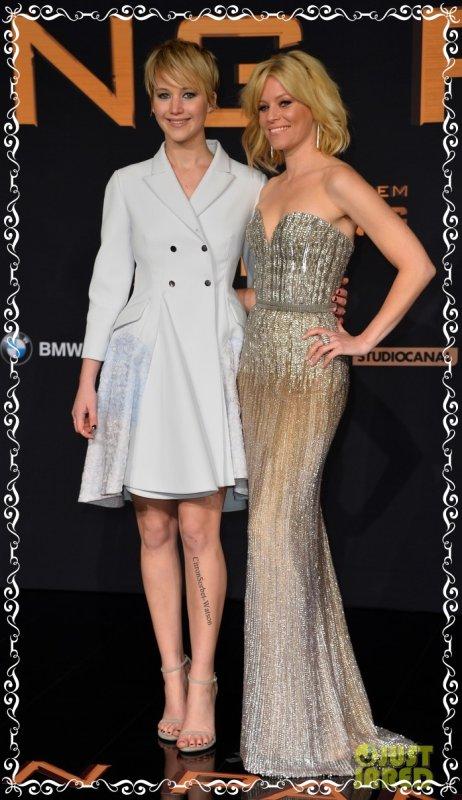"""Le 12.11.13 Jennifer et Elizabeth étaient à la première Berlinoise de """"The Hunger Games""""..."""
