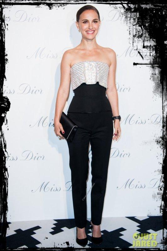 Le 12.11.13 : Natalie était à un cocktail Parisien organisé par Dior pour promouvoir le nouveau parfum dont elle est le visage...