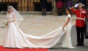 Brudar är angelägna för Kate bröllopsklänningar