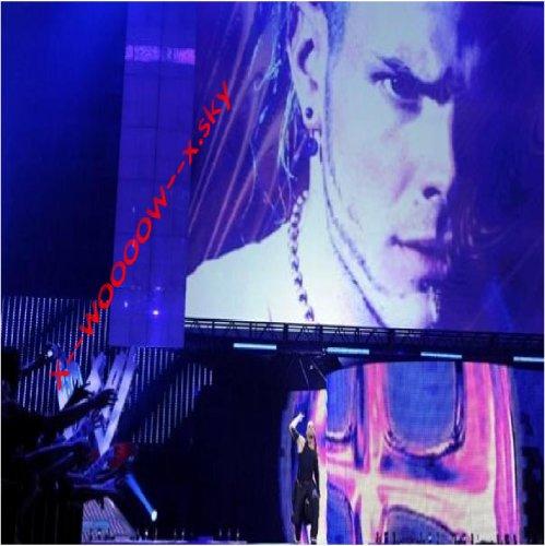 Jeff Hardy (L)