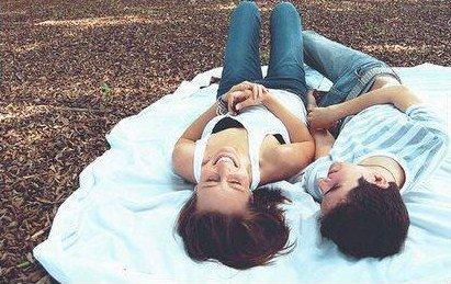 Dis lui que l'amour que je lui porte est sincère,   que notre histoire est loin d'être éphémère.