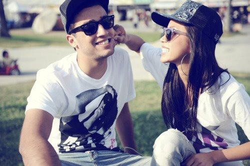 _ Cherche pas à qui donner le rôle de ton grand amour, trouve le plutôt en vrai ! _ Quand je l''aurai trouvé en vrai, je le saurai.