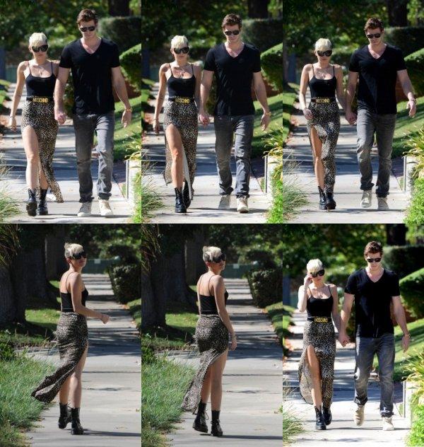 20 octobre 2012: Miley a été vue se promenant dans Los Angeles avec Liam juste avant de se rendre en studio d'enregistrement
