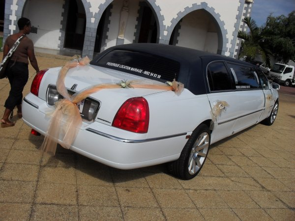 location de voiture pour votre mariage la r union contact au 0692 54 93 58 hummer 30 by. Black Bedroom Furniture Sets. Home Design Ideas