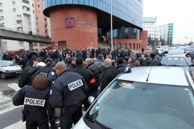"""POUR OU CONTRE la prison FERME pour les Policiers """"menteurs""""....???"""