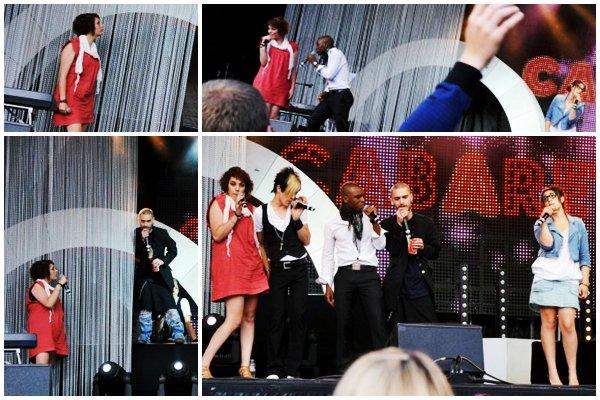 [19/07/09] Concert à Dinant lors de la Tournée Nouvelle Star 2009 < Facebook | Youtube | Myspace | Twitter Fans | Noomiz | Forum >