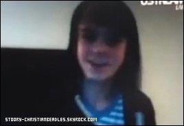 *Nouvelles vidéo de Christian + New photo de Selena & Demi qui prouve leurs Amitier. **J'aime la photo avec Selena & Demi :D !. *