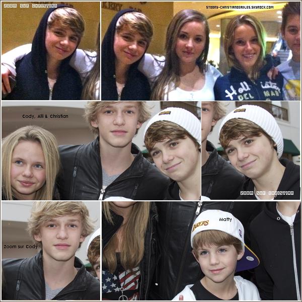 *Nouvelles photos de Christian. **J'aime beaucoup la photo avec Cody :D. *