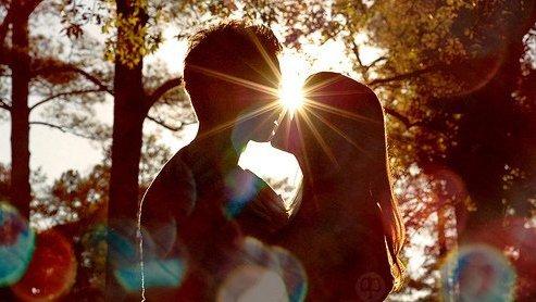 Article 44 : La plus belle lettre de l'alphabet est le A, parce que sans elle l'amitié et l'amour n'existeraient pas..♥