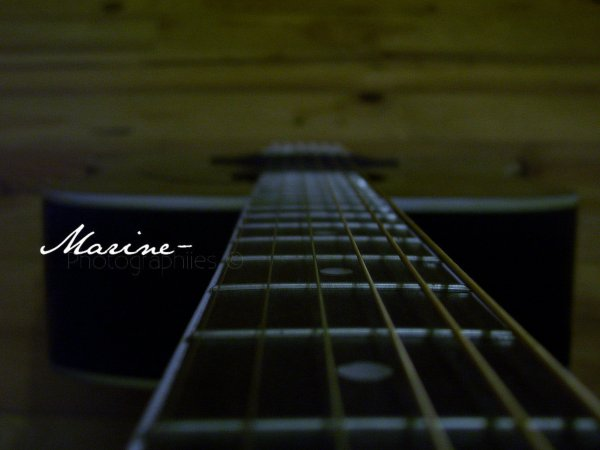 Photo: Ma guitare, aucune retouche.