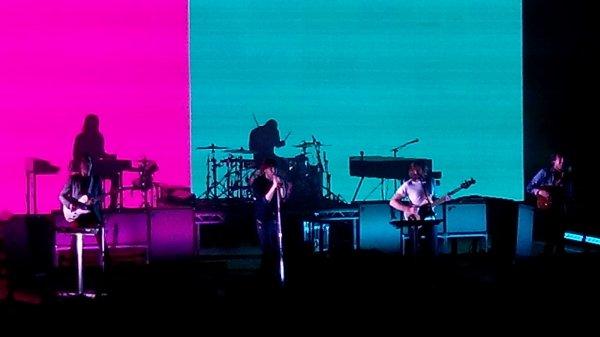 Article 48_ Concert de Phoenix au Palais des Sports le 07/02/2014