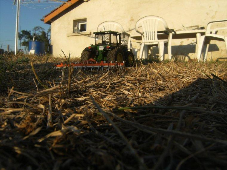 Travaille de la terre avant les semies