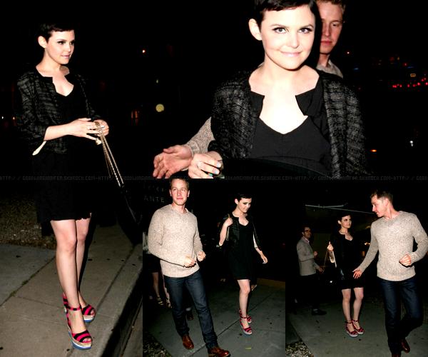 CANDIDS | LE 24 AVRIL, GINNIFER ET SON PETIT AMIS (JOSH DALLAS) SONT ALLE MANGER AU MADEO A LOS ANGELES | J'aime bien sa tenue, les chaussures un peu moins. Elle est toujours aussi belle.Elle porte une veste chanel printemps-été 2012 & des chaussures prada. Son sac est aussi un chanel.