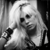 Light Me Up / The Pretty Reckless - Zombie (Live) (2010)