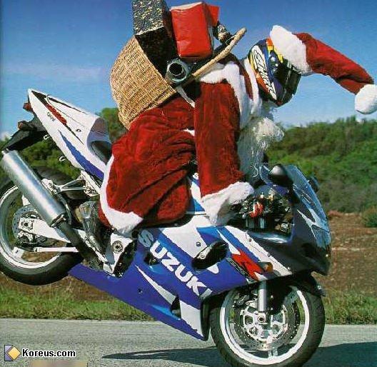 Joyeux Noel a tous les motards et motardes !!