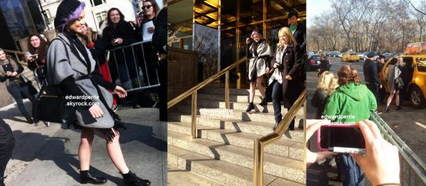 le 03 decembre 2012 - perrie sortant de son hôtel il y a peine quelques minutes .