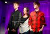 15th March - Justin a enfin pu retrouver sa statue ce mardi au Musée de Madame Tussauds a Londres. :) Haha Justin a l'air content x)