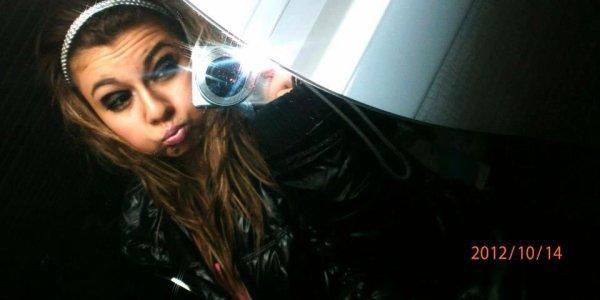 Vicky Meeee.(l)