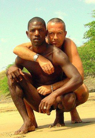 UNE VIE AU SOLEIL DE L'AFRIQUE / Viver em África ensolarada