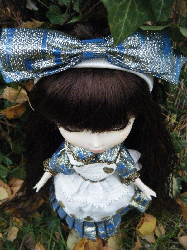 ~Zoé avec l'outfit de la Pullip Another Alice~
