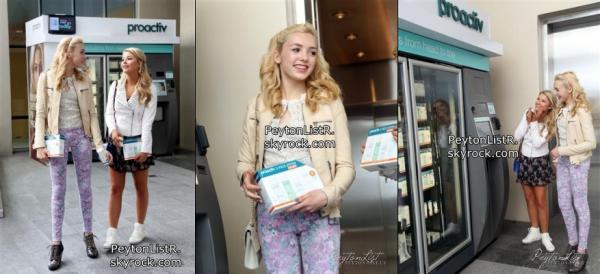 28/04/13 : Peyton List et Stefanie Scott charge jusqu'à au kiosque Proactiv