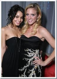 Vanessa Hudgens et Brittany Snow