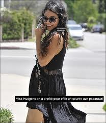 """elle a été photographiée à Studio City alors qu'elle passait par un """"psychic store""""."""